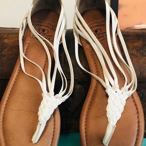 Lucky Brand white leather sandals back zip closure